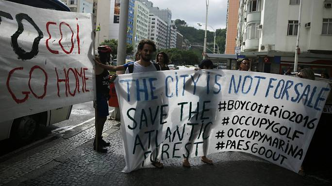 Protesters clash with IOC over Rio golf course
