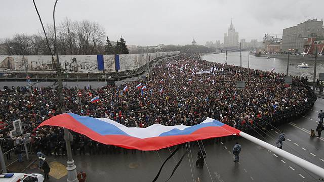 Tens of thousands march in Moscow in memory of Boris Nemtsov