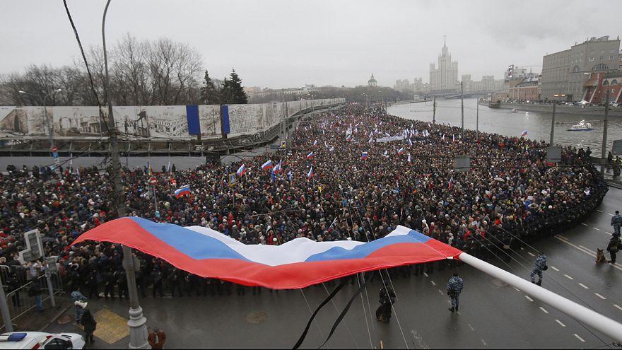 Több tízezren emlékeztek a pénteken lelőtt orosz ellenzékire