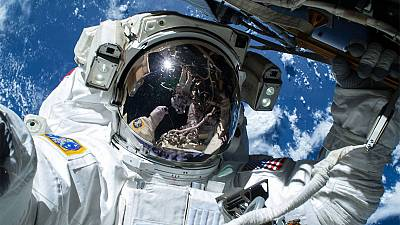 """ISS: sette ore di """"passeggiata spaziale"""" per due astronauti"""