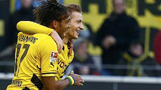 Dortmund Shalke'yi rahat geçti, Ajax ise PSV'nin ensesinden ayrılmadı
