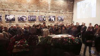 Boris Nemtsov son yolculuğuna uğurlanıyor