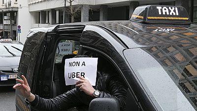 Taxistas belgas manifestaram-se contra o serviço Uber