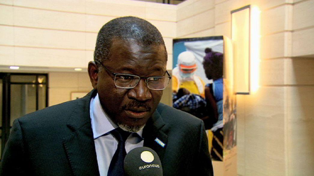 Países africanos piden más ayuda para combatir el virus del Ébola