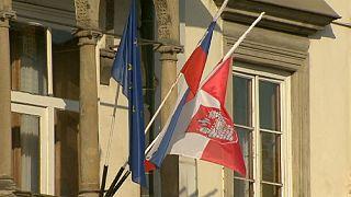 Slovenya parlamentosu eşcinsel evliliğe onay verdi