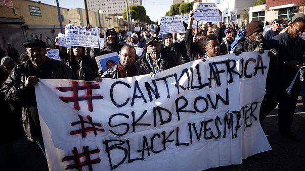 Лос-Анджелес: протест против полицейских, застреливших бездомного чернокожего