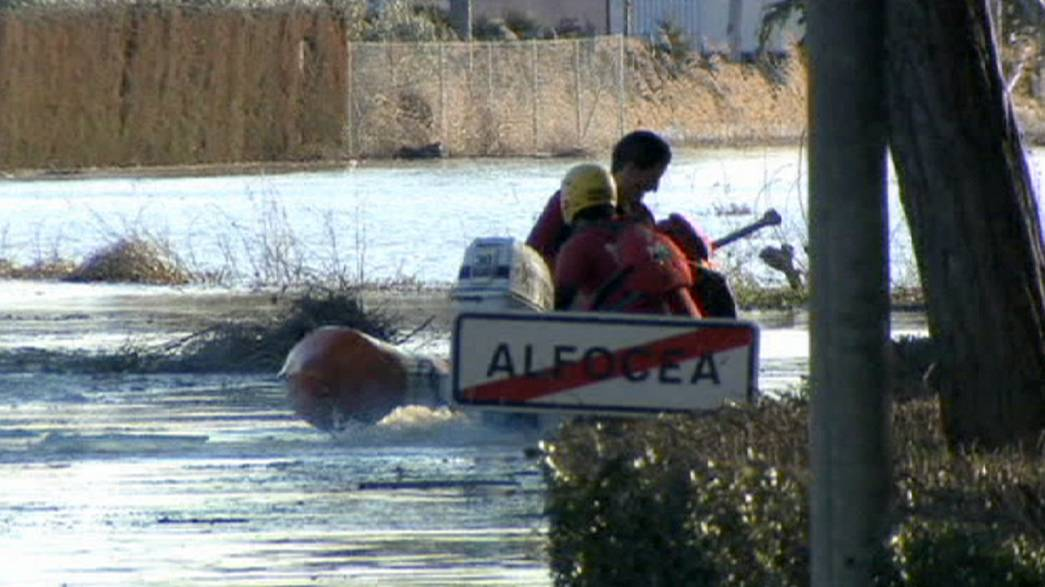 فيضان نهر ايبرو يهدد سكان شمال شرق اسبانيا