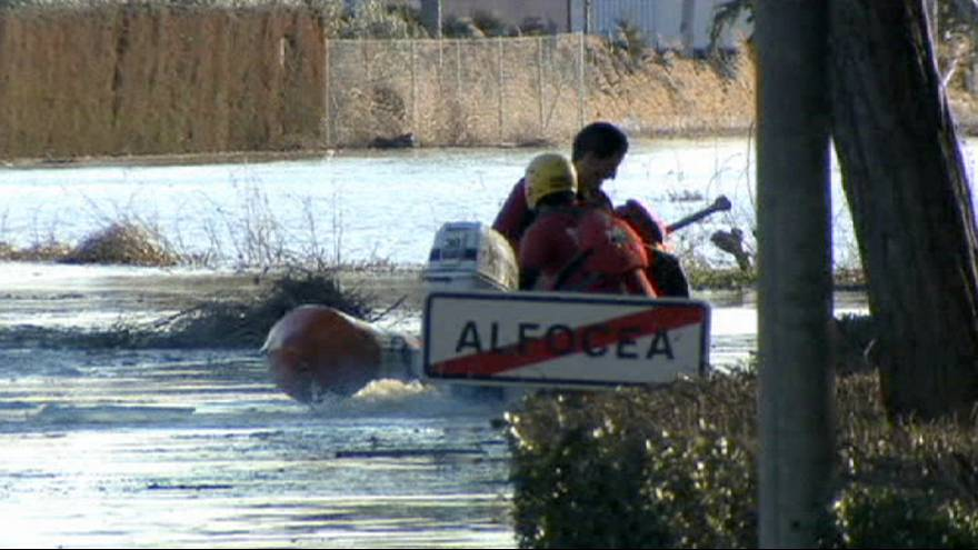 Испания: тающий снег и дожди привели к наводнению