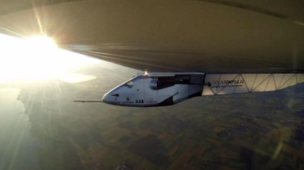 Una tormenta de arena complica la vuelta al mundo del Solar Impulse 2