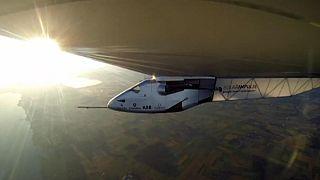 """عاصفة رملية تهدد انطلاق طائرة """"سولار امبلس 2"""" في رحلتها حول العالم"""