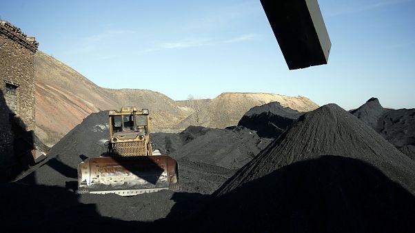 More than 30 dead in Ukraine mine blast