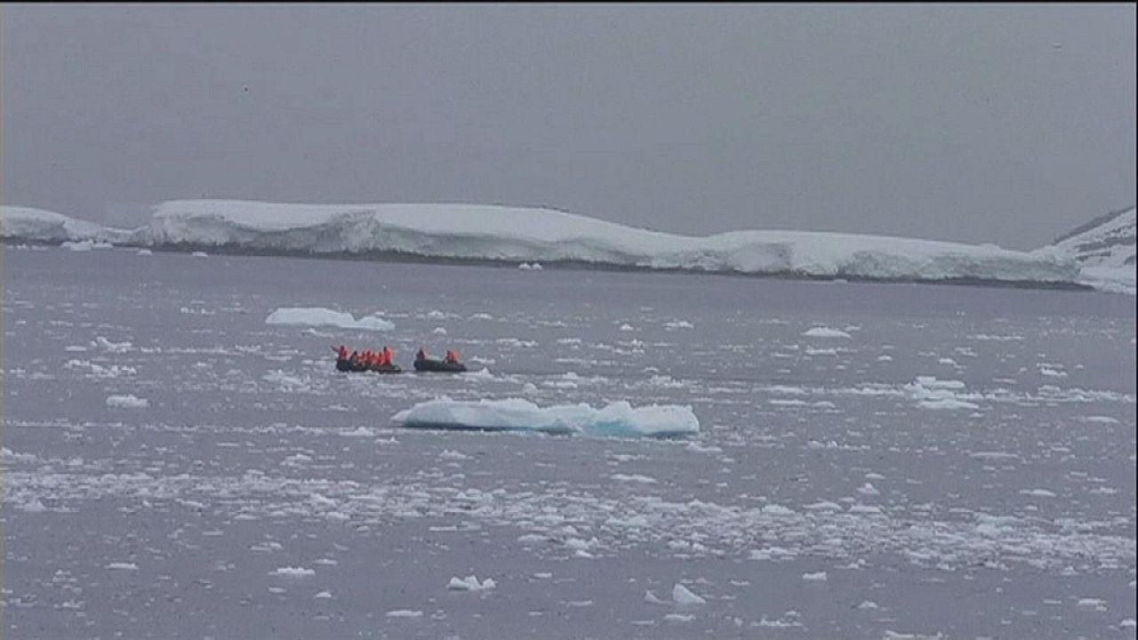 Λιώνουν με σταθερό ρυθμό οι πάγοι στην Ανταρκτική