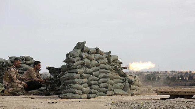 L'armée irakienne tente d'encercler l'EI à Tikrit