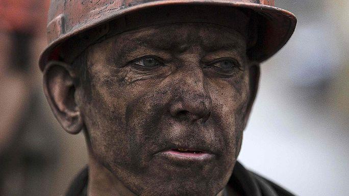 Украина: траур по погибшим на донецкой шахте