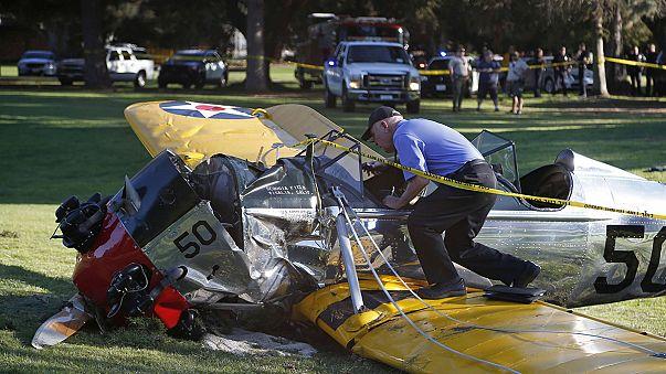 """Harrison Ford precipita su un campo da golf. Il figlio twitta: """"Malconcio, ma OK""""."""