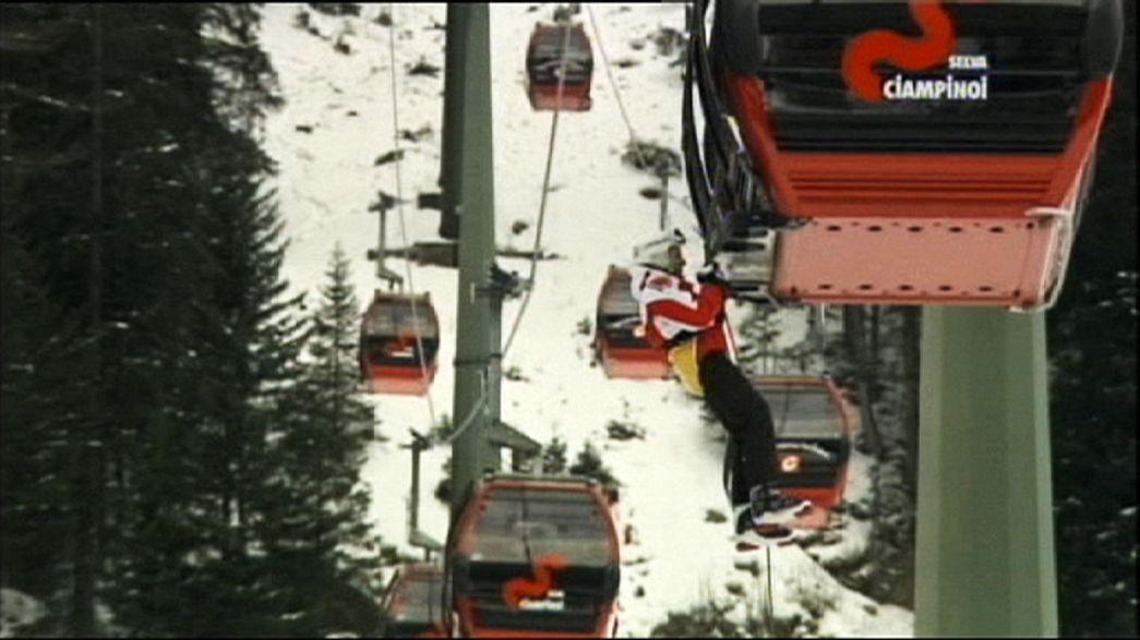 Italie : 200 skieurs immobilisés dans des télécabines