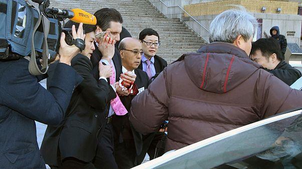 S.Corea: gli inquirenti verificano i legami con Pyongyang dell'uomo che ha aggredito l'ambasciatore statunitense