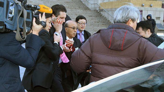 Южная Корея: раненого посла США навестил премьер-министр