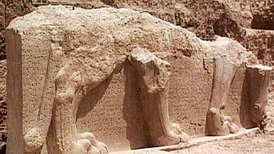 Verwüstungen im Nordirak: IS-Miliz zerstört antike Kulturgüter