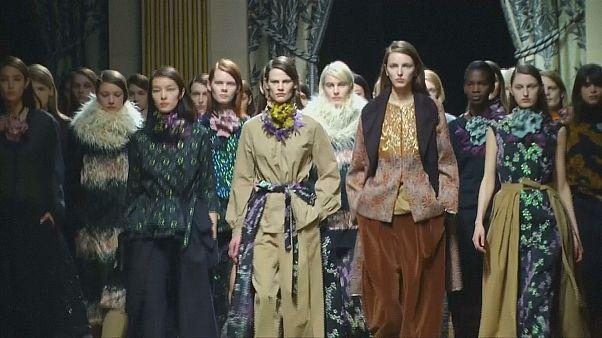 Viel Glitzer, Patchwork und Newcomer auf der Paris Fashion Week