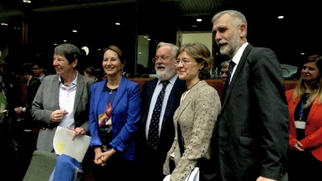 La UE acuerda reducir sus emisiones para la cumbre de París