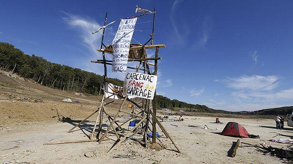 Felszámolták a francia gát építése ellen tiltakozók táborát