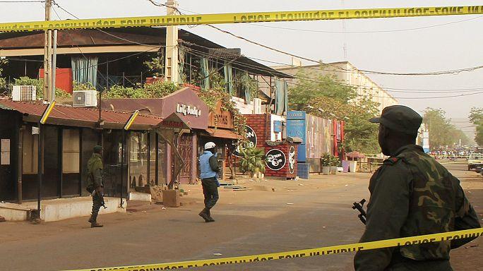 Fegyveres támadás egy étteremben Maliban
