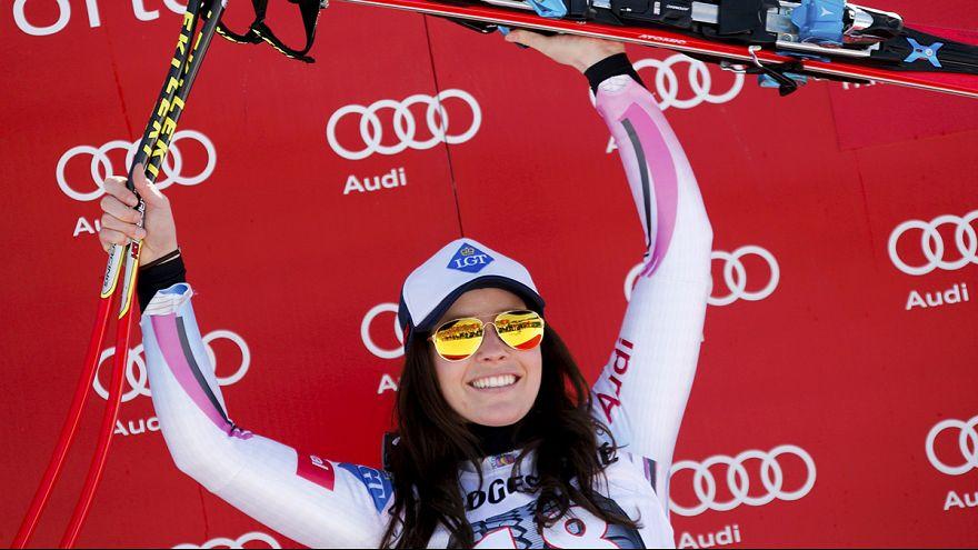تينا ويراتر تتوج بمسابقة النزول للتزلج الألبي في غارميش