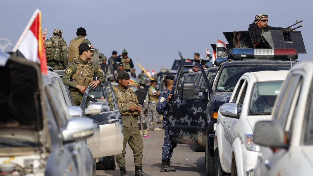 La coalición internacional bombardea una refinería del Estado Islámico en el norte de Siria
