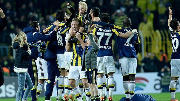 Fenerbahçeliler galibiyeti sosyal medyada kutladı