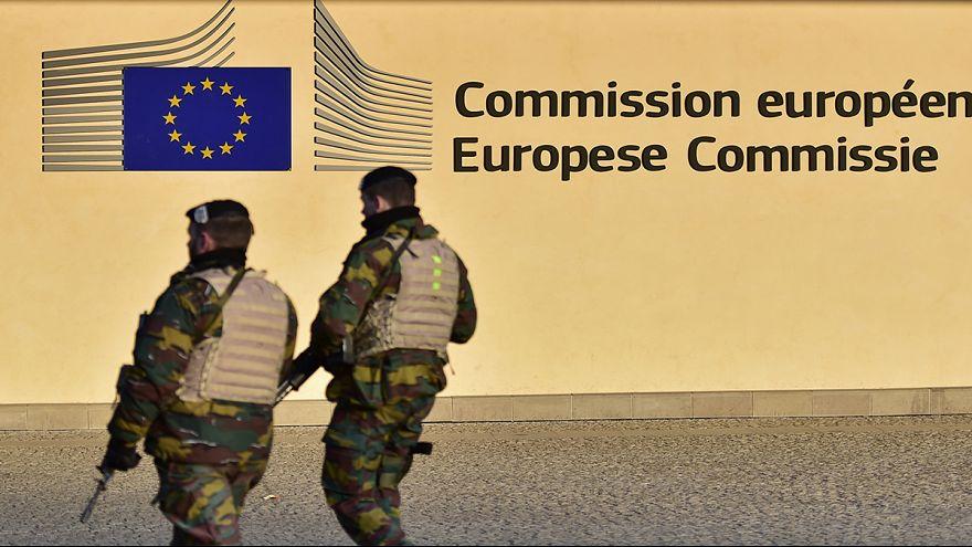 Exército europeu não seria mais eficaz que NATO, diz analista