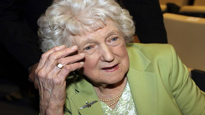 British woman receives pilot brother's ring 72 years after he was killed