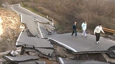 Landslide destroys road in Montenegro – nocomment