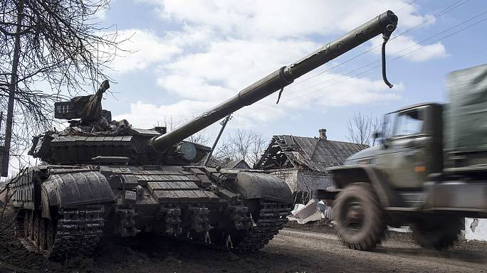 Ukraine: Poroshenko confirms 'significant' heavy weapon pullback by pro-Russia rebels