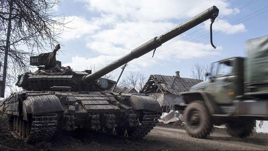 Poroschenko: Separatisten haben große Teile der Waffen von der Front zurückgezogen
