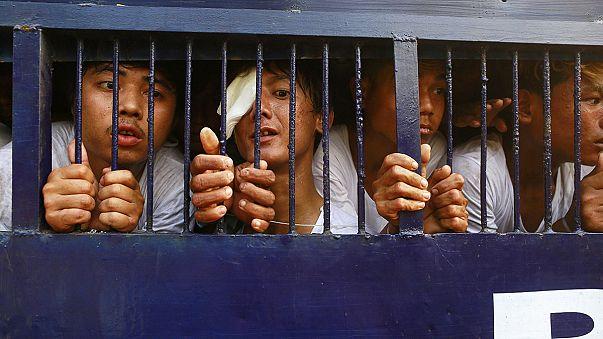 ميانمار: إعتقال أكثر من 120 شخصاً بعد محاولة الطلبة إستئناف المسيرة المناهضة للاصلاحات في التعليم