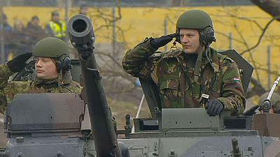 Face à la menace russe, l'OTAN fait front.