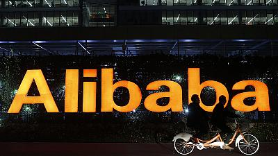 Alibaba invests in Snapchat to increase mobile service