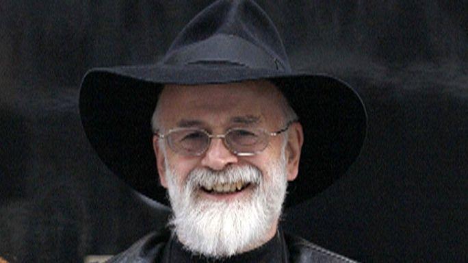 """Terry Pratchett : """"Les Annales du Disque-Monde"""" perdent leur papa"""