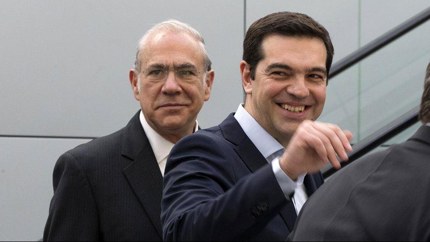 اليونان: تسيبراس يوقع على اتفاق مع منظمة التعاون الاقتصادي و التنمية، للحصول على مساعدة تقنية لتطبيق الاصلاحات