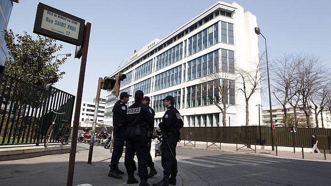 """السلطات الفرنسية تحقق في هوية رجل وطفل ظهرا بفيديو إعدام لتنظيم """"الدولة الإسلامية"""""""