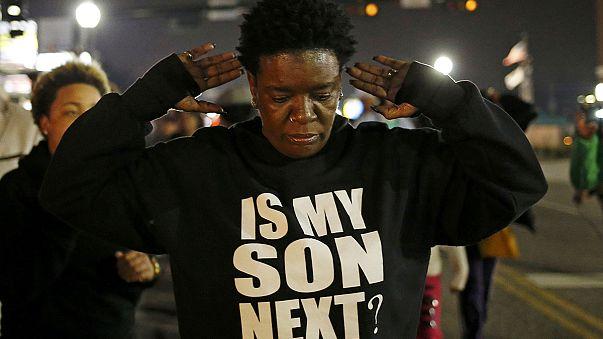 A rasszista rendőrök ellen tüntettek Fergusonban