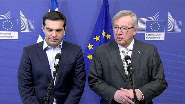 Tsipras a Bruxelles da Juncker e Schulz. Sorrisi e ottimismo, ma il problema resta l'Eurogruppo