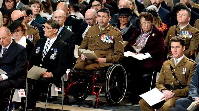 İngiltere en uzun savaşında kaybettiği askerlerini andı
