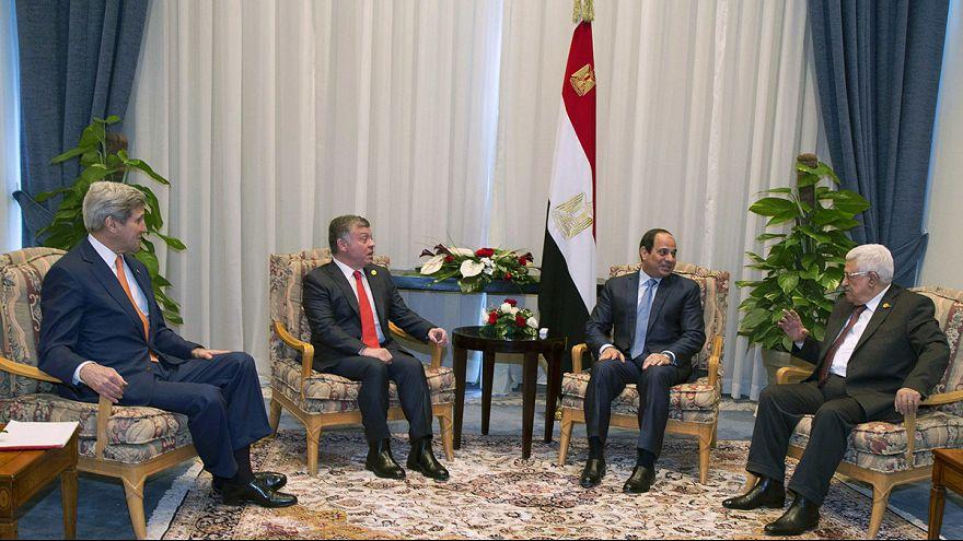 إعانات بقيمة 12 مليار دولار لمصر في مؤتمرها الاقتصادي بشرم الشيخ
