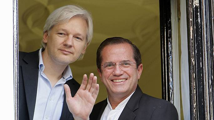 Assange ügyvédei üdvözlik a svéd hatóság megkeresését