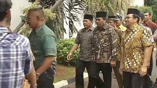 Endonezya 10 uyuşturucu kaçakçısını aynı anda idam edecek