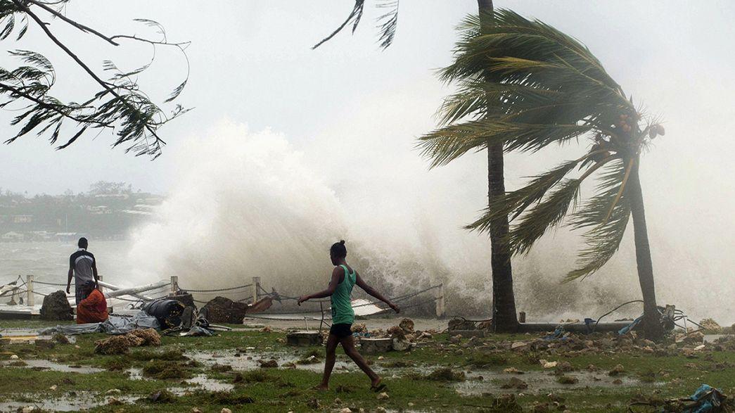 El ciclón tropical Pam golpea el archipiélago de Vanuatu
