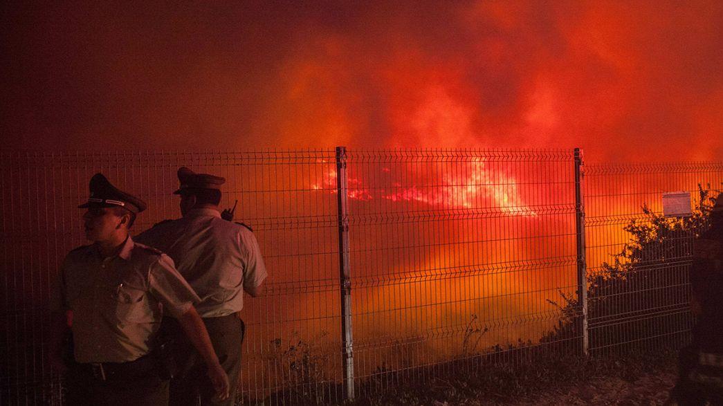 السلطات الشيلية تناضل لاخماد حريق ضخم في منطقة فالباريزو