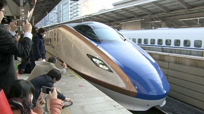 Új útvonalon száguld a japán szupervonat